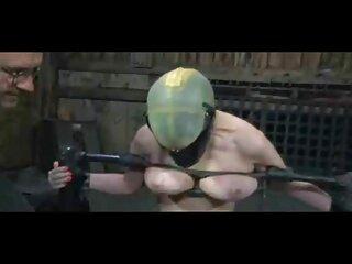 سبزه در پاشنه بلند تسلیم مرد در سوپر گروه سکسی اتاق عقب شد