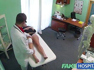 زوجین در خانه برای بیمار و پرستار نقش آفرینی می استیکر سکسی تل کنند