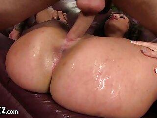 زن روسی قرمز که کانال لینکدونی سکسی رابطه جنسی مقعدی برقرار می کند