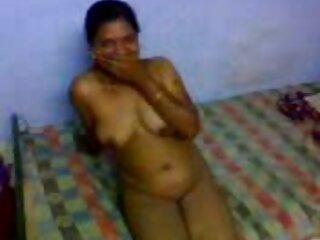 زن کانال چت سکسی ترنس قرمز مو ، جانور بلوند را روی تخت دمید