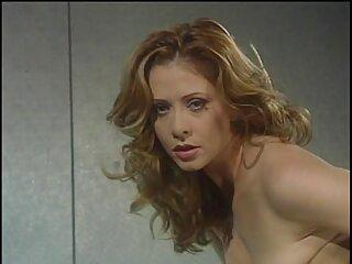 دختر باریک با ظرافت روی آلت می پرید لينك گروه سكسي