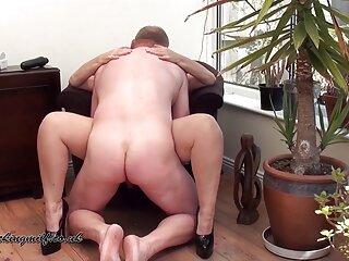 شوهر همسر خود را به همزن الاغ روی تخت در سبك کانال چت سکسی سگگاری محكوم می كند