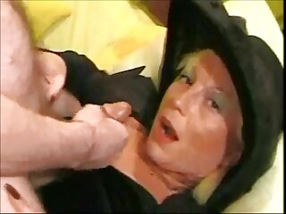دختر استیکر سکسی گی آلمانی مقرون به صرفه و پرشور دو حفره به کشاورزان می دهد