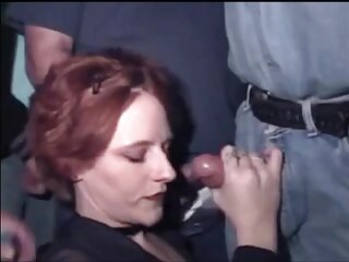 BDSM: Beast با سوزن گروه سکسی در تلگرام لب به لب بلوند می اندازد