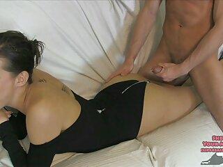 خروس آبدار گروه سکسی یک دختر روس سکسی را جذب می کند