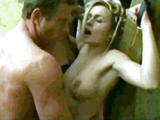 لیس نوک پستان لینکدونی تلگرام سکسی و مرد کسل دختر را روی خروس می گذارد