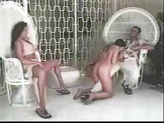 دو زن با جوراب ساق بلند دارای یک مرد نیستند و او هر دو را لعنتی می کند چت سکسی تلگرام