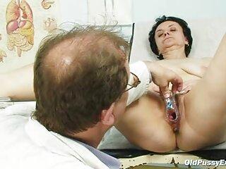 آسیا شورت کانال فیلمهای سکسی در تلگرام هایش را برداشته و جلوی دوربین استمناء می کند