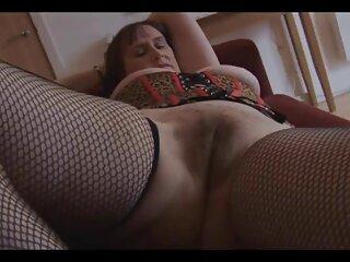 بلوند روشن به زیبایی با كانال سكسي براي تلگرام نوع بالغ رابطه جنسی برقرار می کند